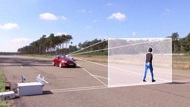 Ford lança tecnologia de detecção de pedestres