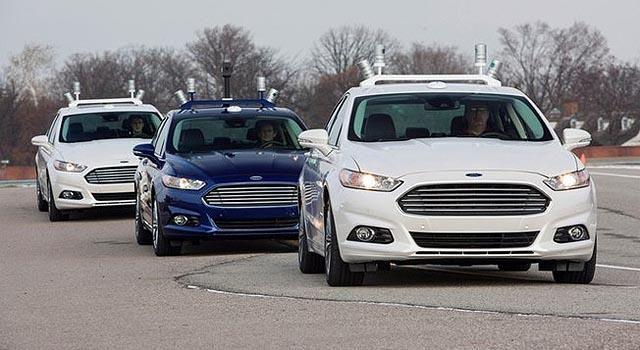Carros sem motorista serão lançados no Reino Unido em 2015