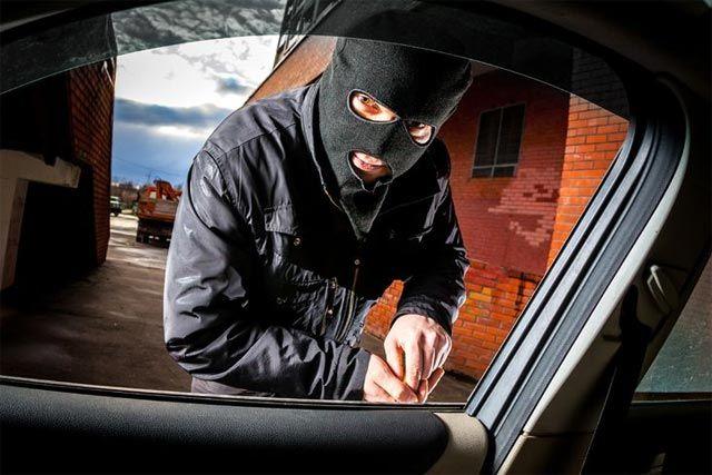 Saiba como evitar assaltos e furtos em seu carro