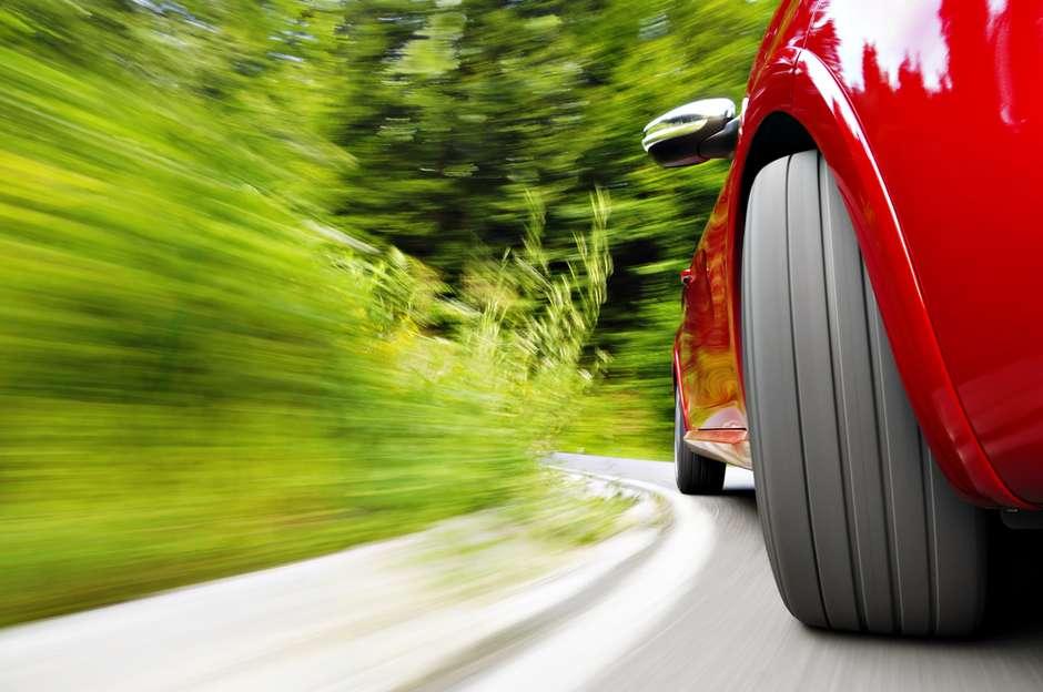 Largura do pneu e estabilidade: entenda a relação