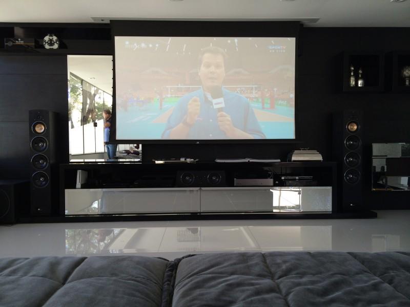 Dicas para posicionar a TV na sala