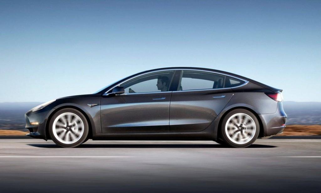Novo modelo da Tesla já circula pelas ruas dos Estados Unidos