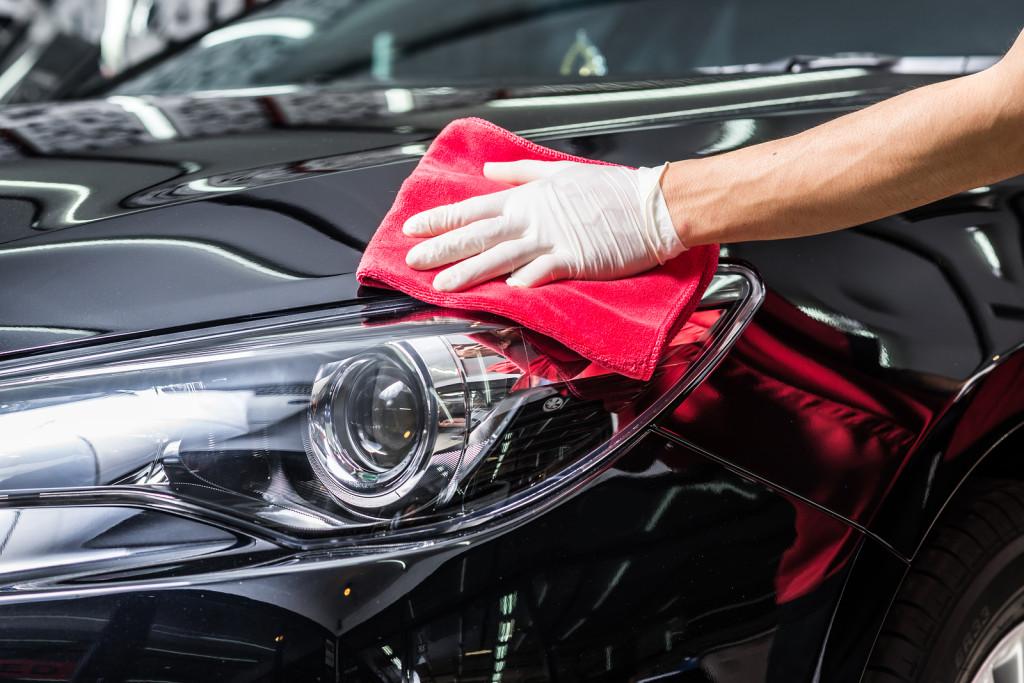 Saiba qual e quando usar cada tipo de cera no seu carro