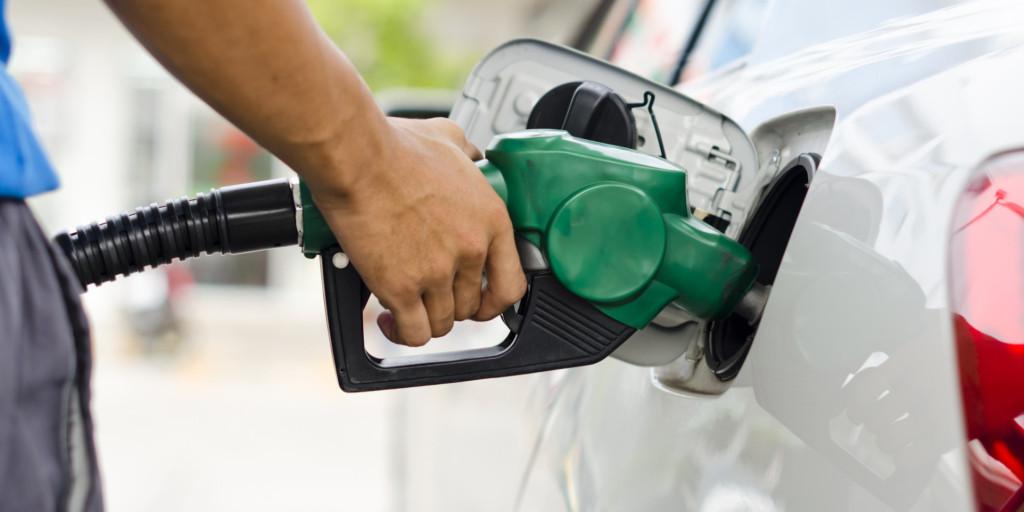 Você conhece as diferenças entre as gasolinas comum e aditivada?