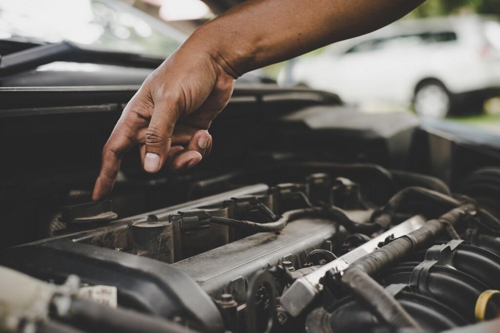 Como fazer o básico da manutenção do carro em casa