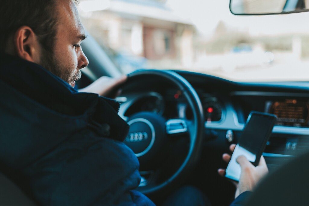 6 aplicativos que todo motorista precisa ter no celular